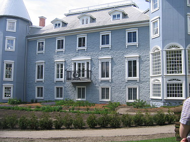 papineau manor